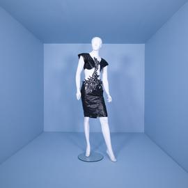آشنایی با طراحی لباس
